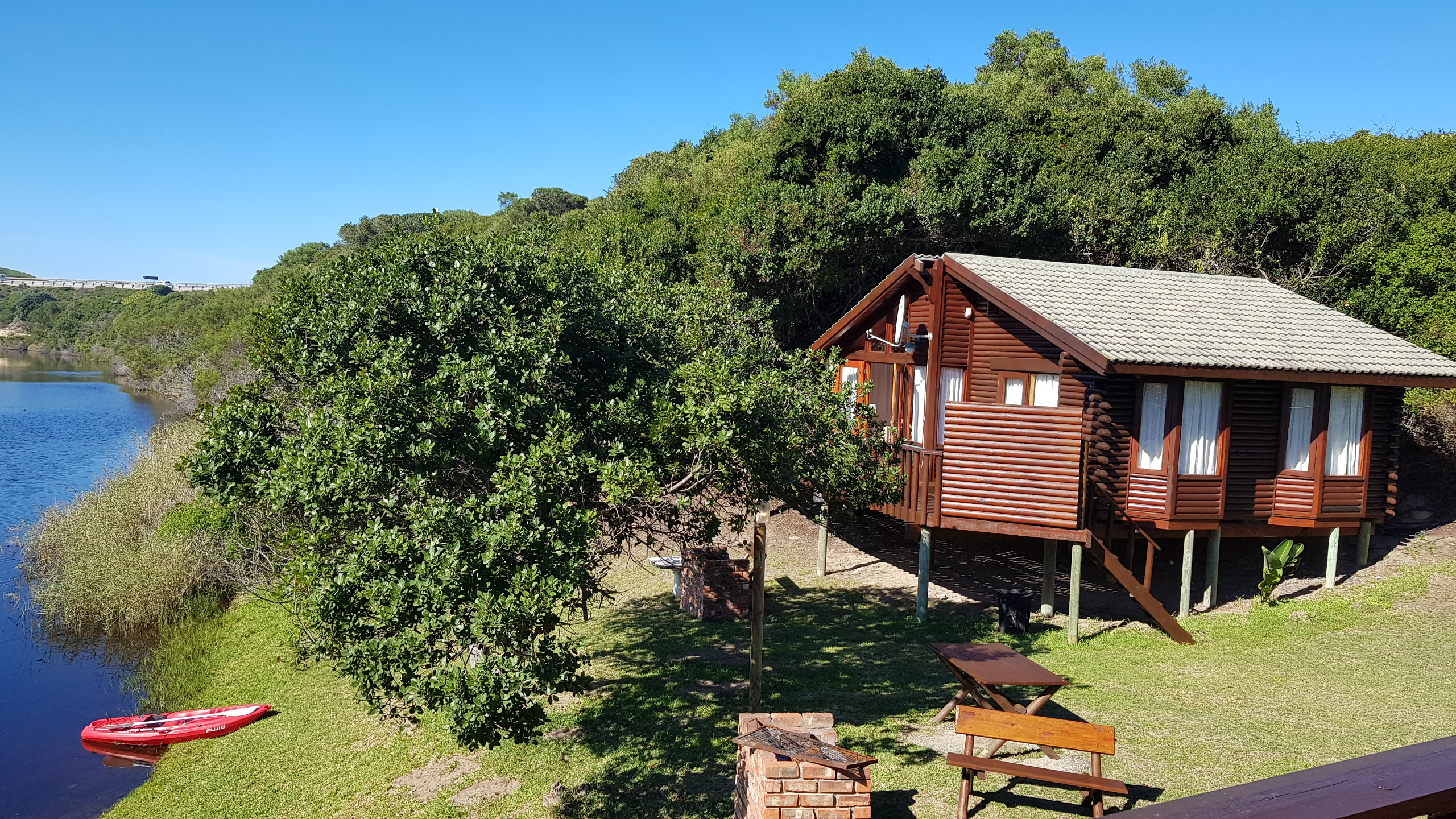 KingFisher_Chalet_No1a_PiratesCreekAccommodation