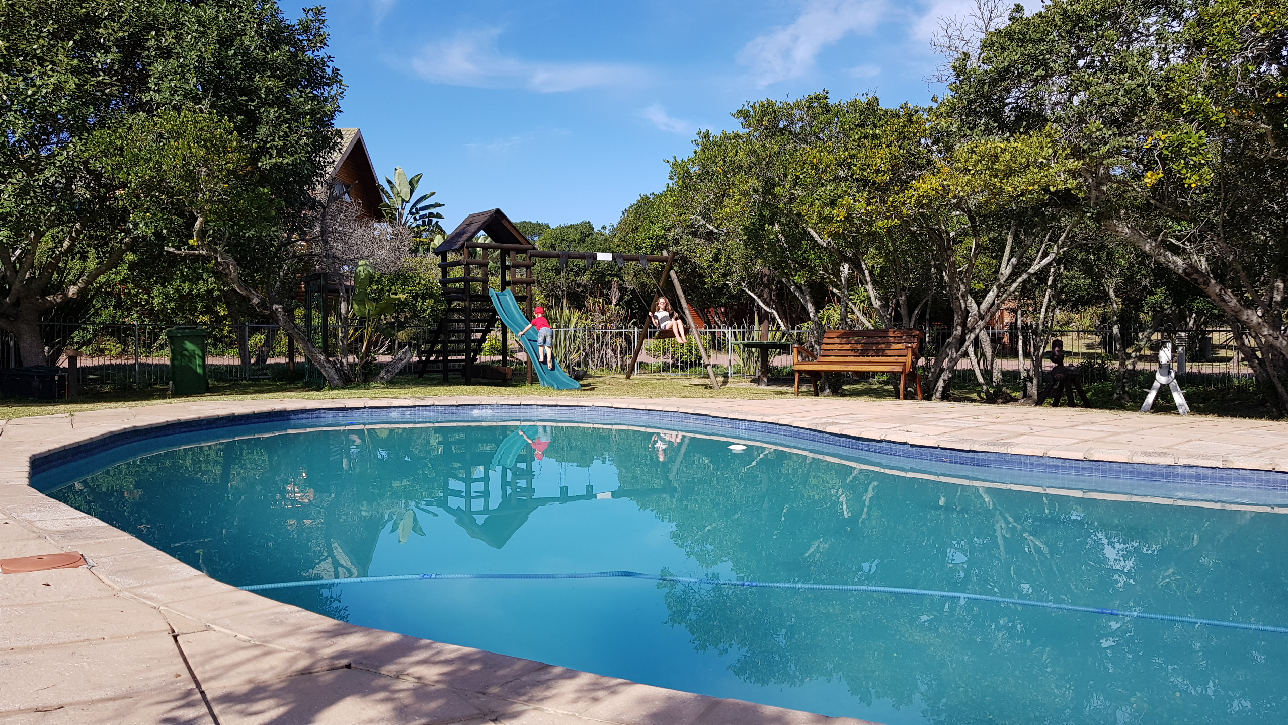 Swimming_Pool_Pirates_Creek_Accommodation