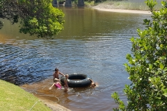 pirates-creek-accommodation-tubing-river