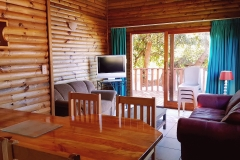 No-18-lounge-pirates-creek-accommodation